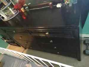 LISTOWEL 8 drawer black dresser and attached mirror