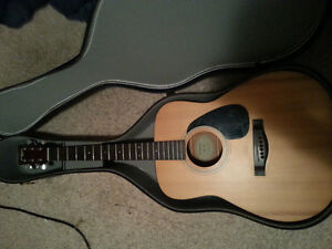 Eterna By Yamaha acoustic guitar w/ hard case