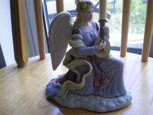 "Royal Doulton Figurine--"" Angel of Harmony "" Kitchener / Waterloo Kitchener Area image 6"