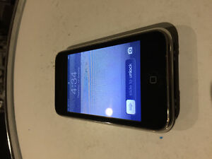 iphone 3gs - 8 gb w/ Rogers