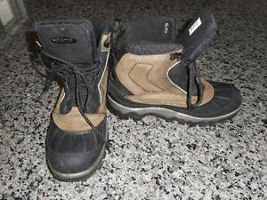 Boy's Winter Boot - Youth Size 7