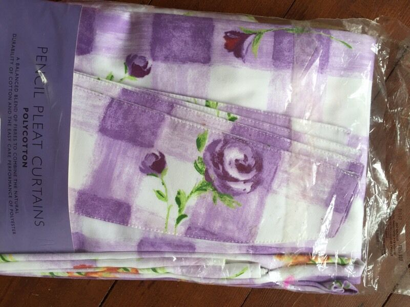 NEW Debenhams Pencil Pleat Curtains 167cm w X 137cm dropin Coventry, West MidlandsGumtree - Light purple and white Brand new curtains from Debenhams with matching tie backs, pencil pleat. From a smoke free home, and pet free.Collect from broad lane, cv5