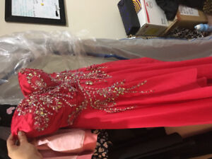 Grad dresss for sale!! Needing gone ASAP:)