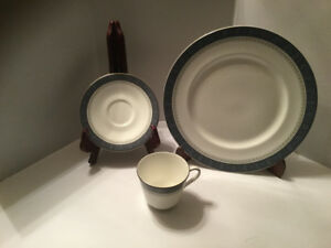 Royal Doulton Sherbrooke Bone China Set of 8 in mint condition
