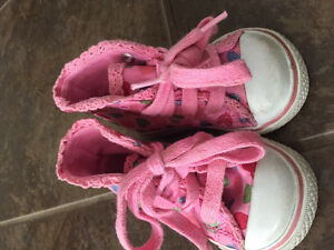 Toddler size 3 sneakers