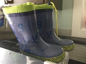 Size 7 Rubber Boots