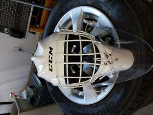 CCM 7000 junior goalie helmet