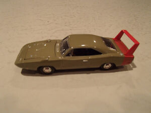 '69 DODGE CHARGER DAYTONA AMERICAN MUSCLE ERTL COLLECTIBLES DIE Sarnia Sarnia Area image 2