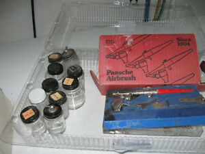 Paaschee air painting gun with bottles