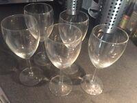 5 white wine glasses