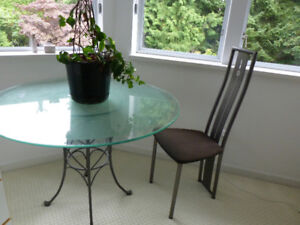 ROUND GLASS TABLE & CHAIRS