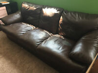 BROWN LEATHER COUCH SMOKE FREE HOME