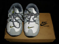 chaussure bébé Nike taille 5
