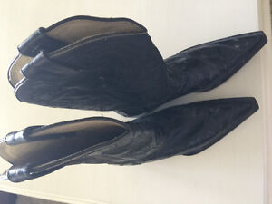 Ladies size 7.5 leather cowboy boots