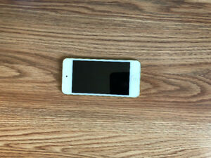 Brand new 5th Gen 32gig green iPod touch