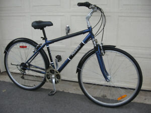 Pegasus 18 Speed City Hybrid w/ Fenders + Shocks