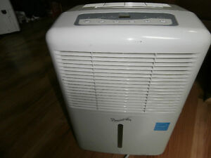 One humidifier make Forest air do not need left by old owner of