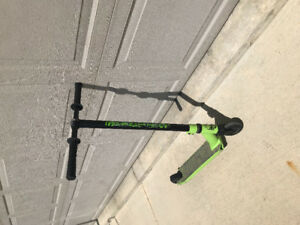 Mad Gear Scooter