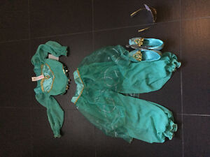 Disney store - brand new with tags - size 7 - jasmine costume