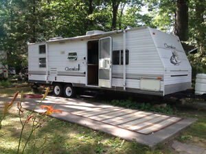 28 Foot Forest River Cherokee Trailer with bunk beds