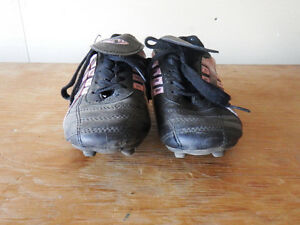 Athletic Works Black/Pink Girls Soccer Shoes Size 12