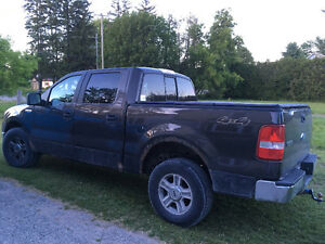 **REDUCED** 2006 Ford F-150 XLT Pickup Truck