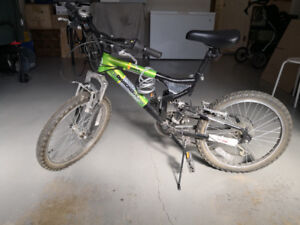 Kid / Youth bicycle, green colour in good condition