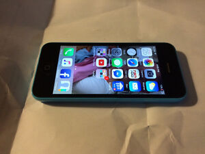 iPhone 5c 8g mint condition London Ontario image 1