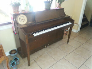 PIANO Apartment Size for Sale