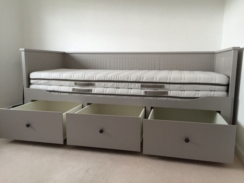 Ikea hemnes grey day bed in shefford bedfordshire gumtree for Ikea day bed