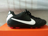 Nikes soccer shoes