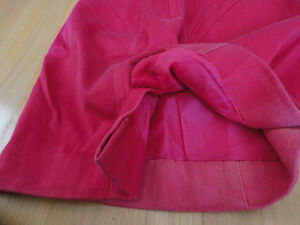 Vintage women's hot pink pencil skirt Size Small London Ontario image 5