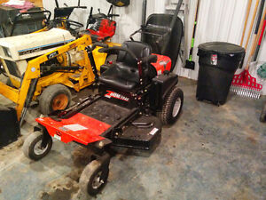 Ariens 40 inch zero turn with bagger Stratford Kitchener Area image 1