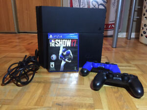 PS4 BASEBALL BUNDLE *** MINT CONDITION ***