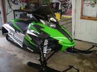 2012 ARCTIC CAT 1100LXR in mint condition Black one is sold!!