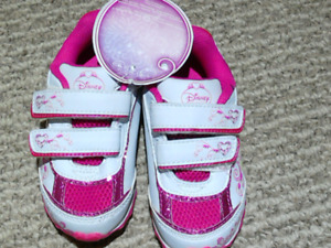 Toddler size 9 shoes bnwt
