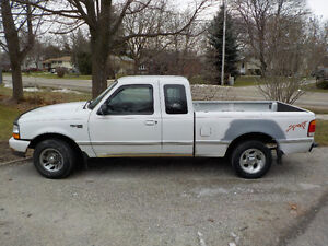 1999 Ford Ranger white Pickup Truck