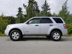 Ford Escape  XLT V6 4x4 new winter tires  55kms