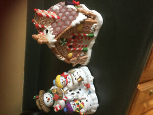 Partylite  gingerbread house and partylite  snowman family
