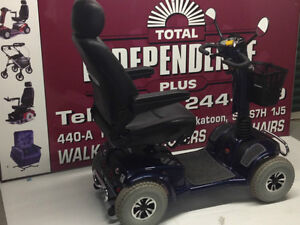******TOTAL RIDER 4 WHEEL BATTERY SCOOTER****** SHOPRIDER