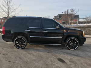 Cadillac Escalade 6.2L AWD, Blk on Blk on Blk m/roof, bag, 7pass