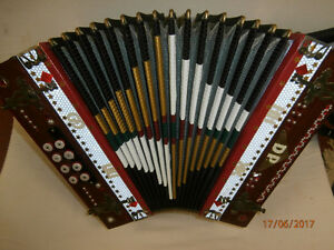 STAHLTONE BUTTON ACCORDION