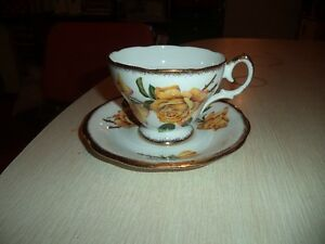 QUEEN ANNE ROYAL ROSES TEA CUP AND SAUCER Windsor Region Ontario image 1