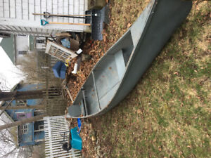 16.5 Foot Canoe SOLD PENDING PICK UP