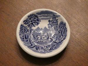 Old well hallmarked china London Ontario image 7