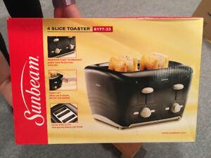 Sunbeam 4 Slice Toaster BNIB