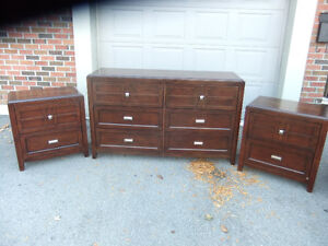 6 drawer dresser and 2 night stand set