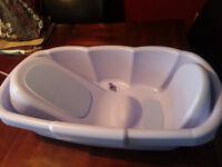 Deluxe Newborn to Toddler Tub - (Ariel Purple)