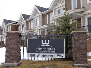 Impressive Comfy & Spacious Town Home in Windermere Community