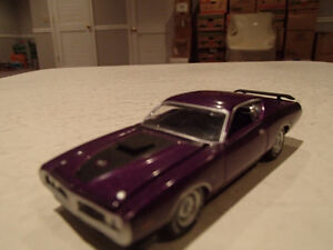 Loose Greenlight  '71 DODGE CHARGER SUPER BEE STOCK & CUSTOM Sarnia Sarnia Area image 8